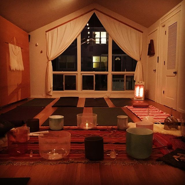 The set up of a super sweet cozy evening last night to drop into the holiday season...Thank you so much to @devamunay for taking us all on a beautiful journey as we connected deeply with ourselves and each other while traveling on waves of sound. We look forward to taking another trip with you again in the #newyear on January 4th!  #soundbath #soundjourney #divedeep #openheart #soundhealing #pacificgrove #montereyca #carmel #pebblebeach