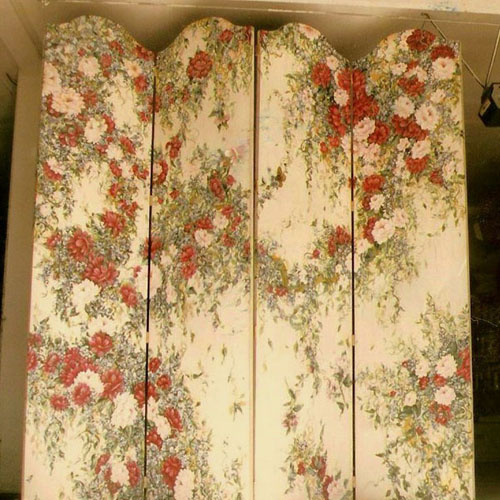 Two-sided floral screen.
