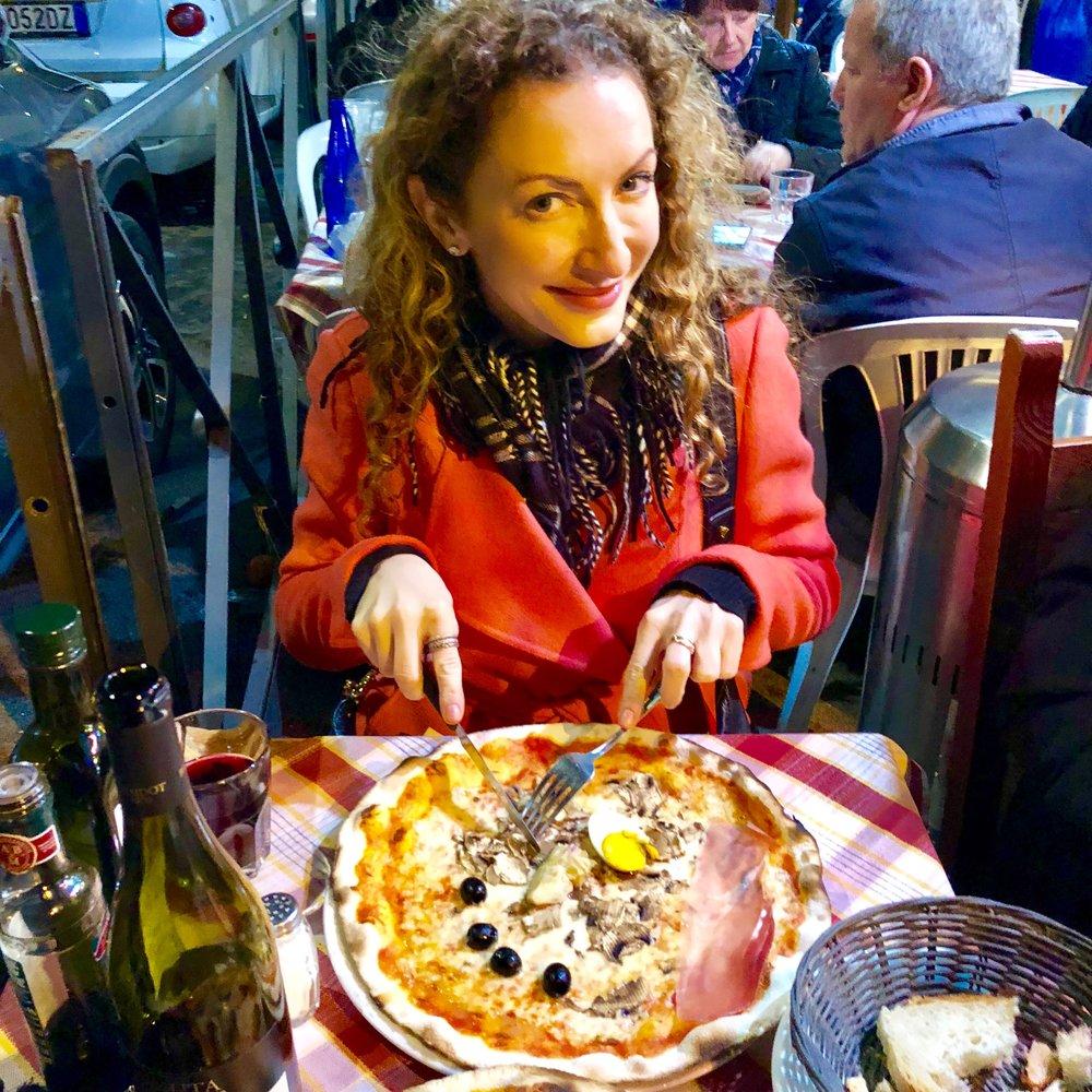 Luzzi's pizza