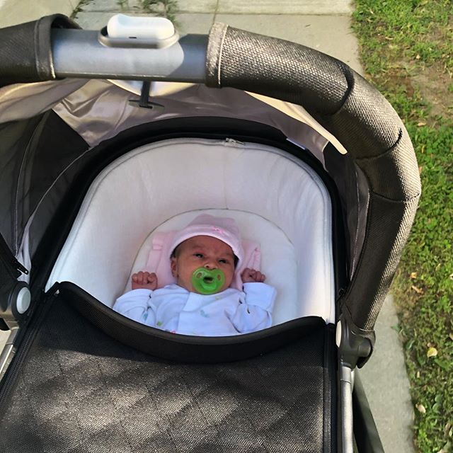 I'm only 5 days in but my new normal is diapers and latching and baby snuggles and maybe a late afternoon walk to Starbucks in the @uppababy 💫 the last time I felt so entirely out of my normal, but also exactly 100% where I should be, was internship. I think I slept a little more then, though... 😬