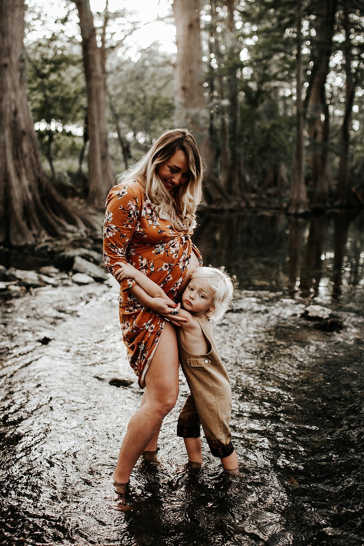 Shannon-San-Antonio-Maternity-Photographer-15_WEB.jpg