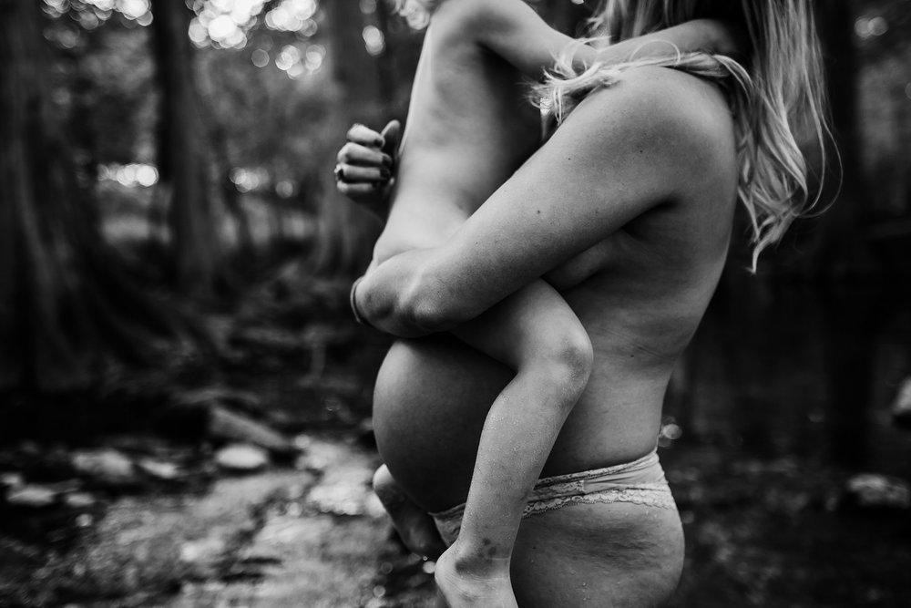 Shannon-San-Antonio-Maternity-Photographer-28_WEB.jpg