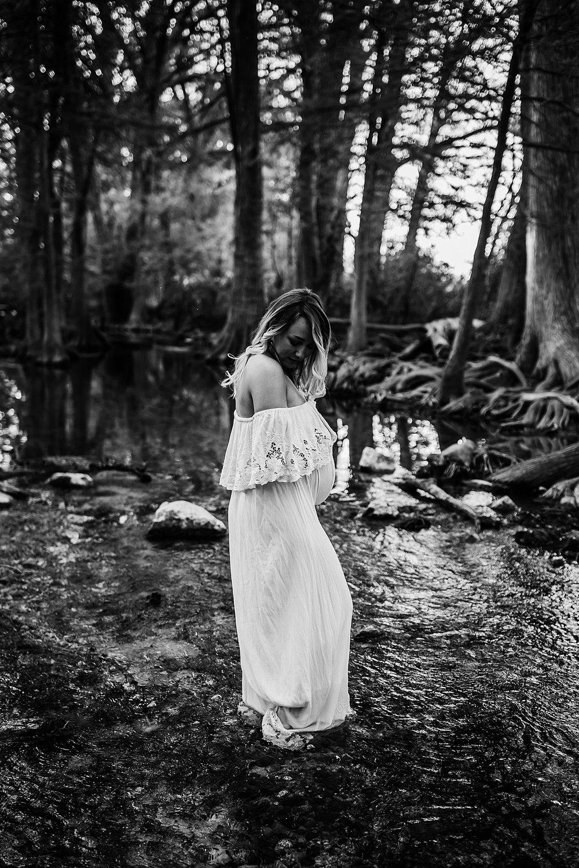 Shannon-San-Antonio-Maternity-Photographer-39_WEB.jpg