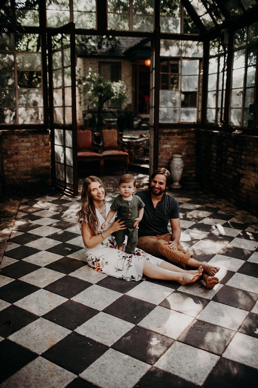 Young-San-Antonio-Family-Photographer-8_WEB.jpg