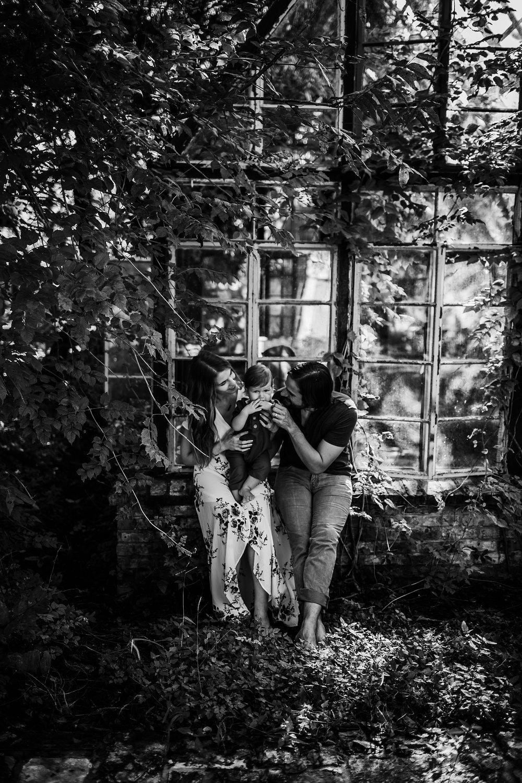 Young-San-Antonio-Family-Photographer-20_WEB.jpg