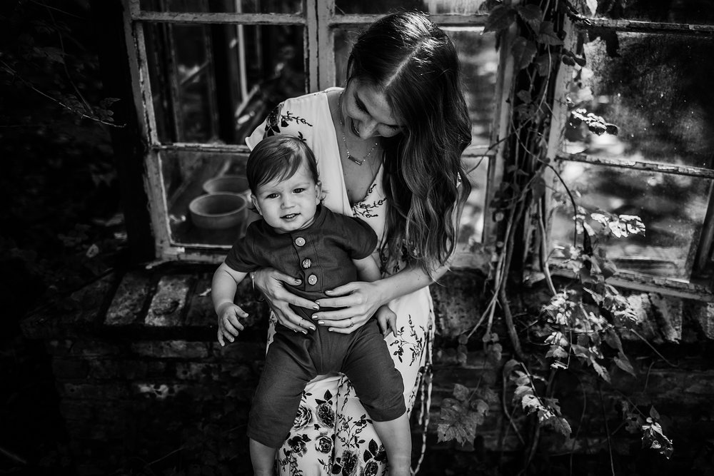 Young-San-Antonio-Family-Photographer-28_WEB.jpg