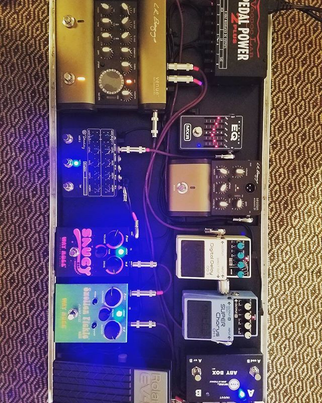 Rocking around with my pedals today! #nategrantmusic #independentartist #martinguitar #lrbaggs #dunlop #boss #keeley #mxrpedals #gretsch www.nategrantmusic.com
