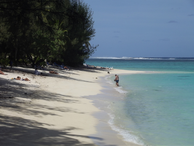 Aroa beach.JPG