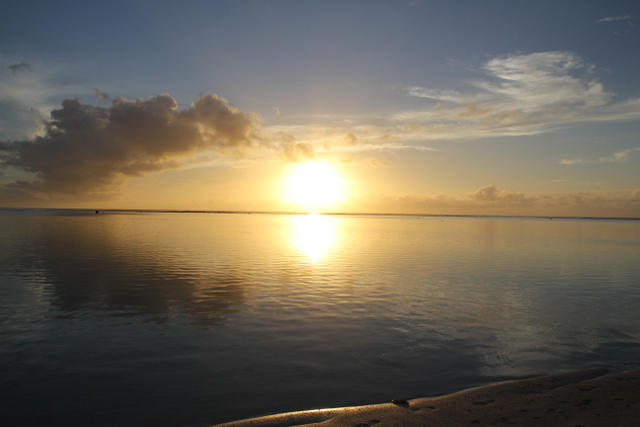 Sunset from Aroa beach.JPG