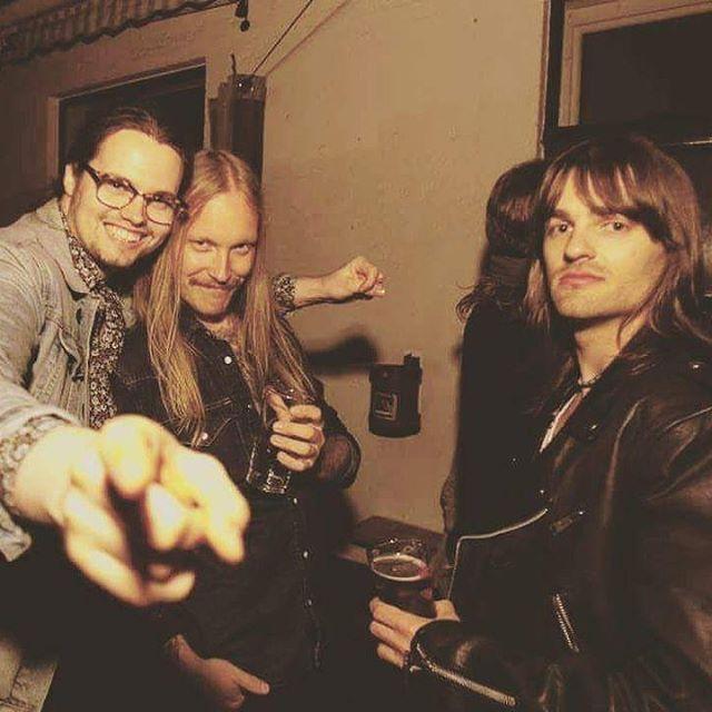 Inner circle trinity drinking at Oslo Rock Dealers.  #oslorockdealers #oslo #johndee #beer #rock #70s #wheremendrink