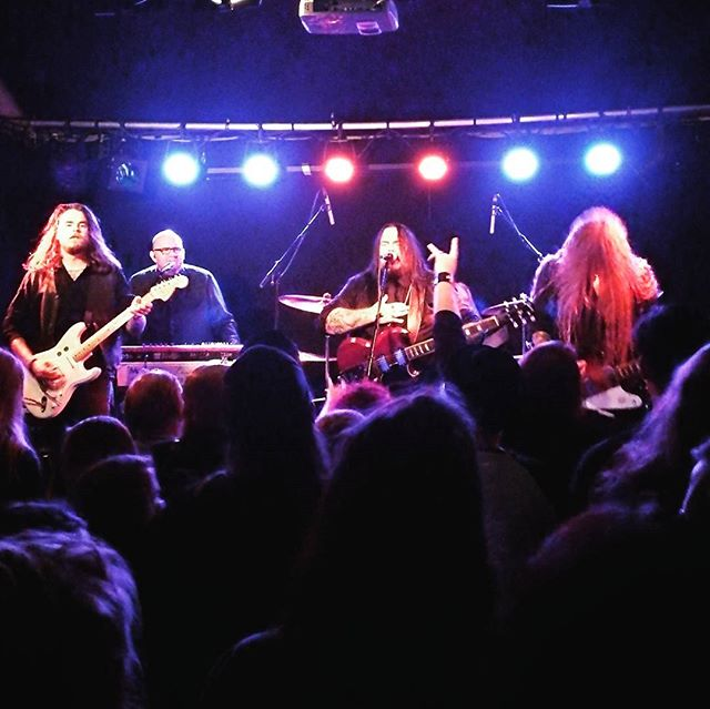 Year of The Goat blew the roof off Krøsset last night. If you have not checked these occult rockers out, do your self a favour. #yearofthegoat #krøsset #occultrock