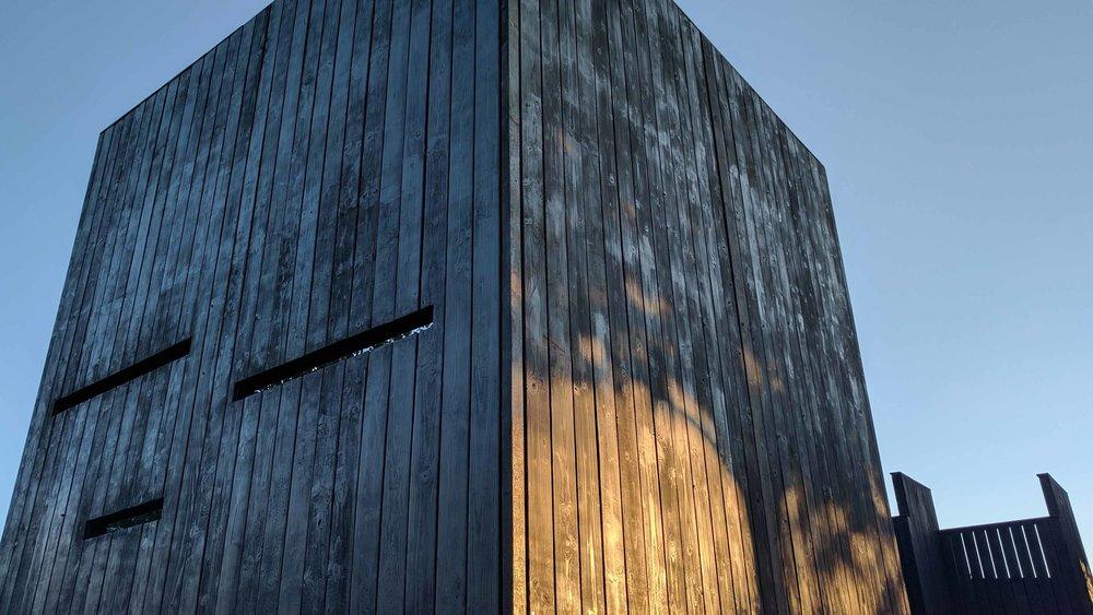 Southport Garden Design: Kuro: Evening Light On The Cube