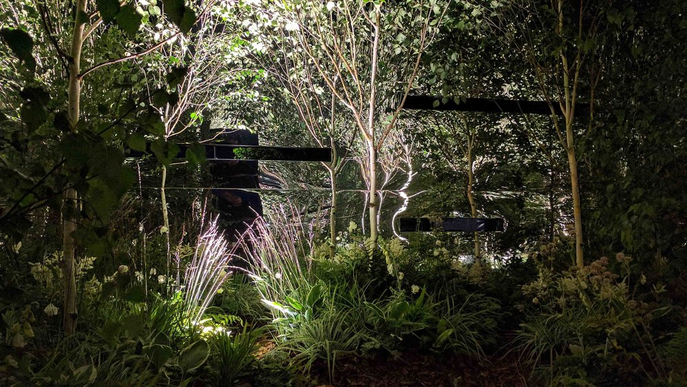 Southport Garden Design: Kuro: Inside The Mirrored Cube At Night