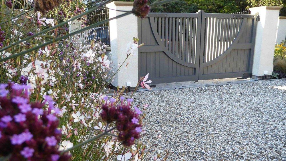 Cheshire Garden Design: The Sun And Shade Garden: Gaura And Verbena