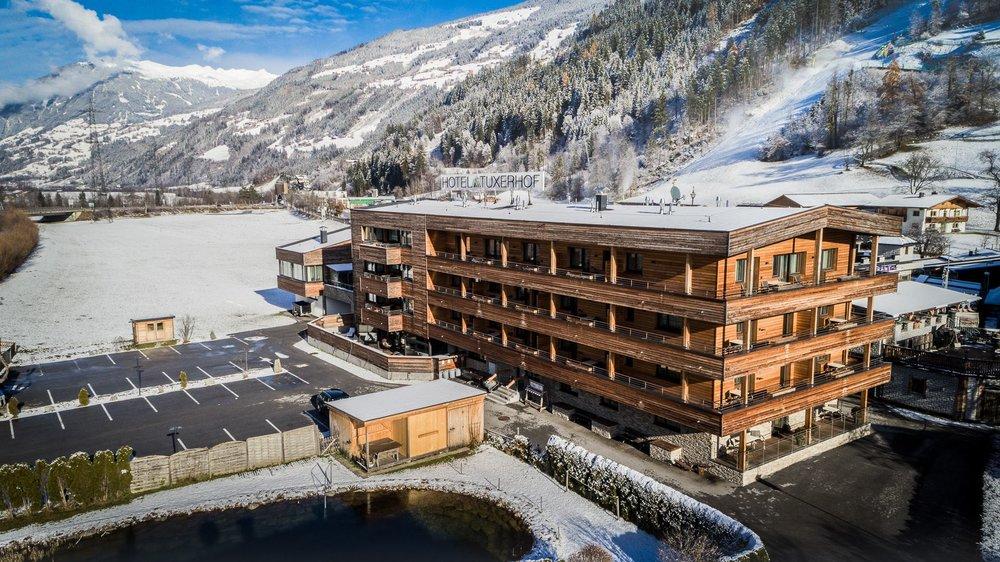 Hotelansicht Winter.jpg