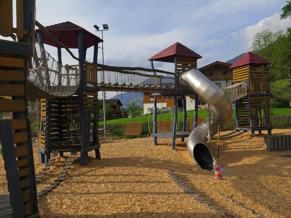 Foto Spielplatz 2.jpg