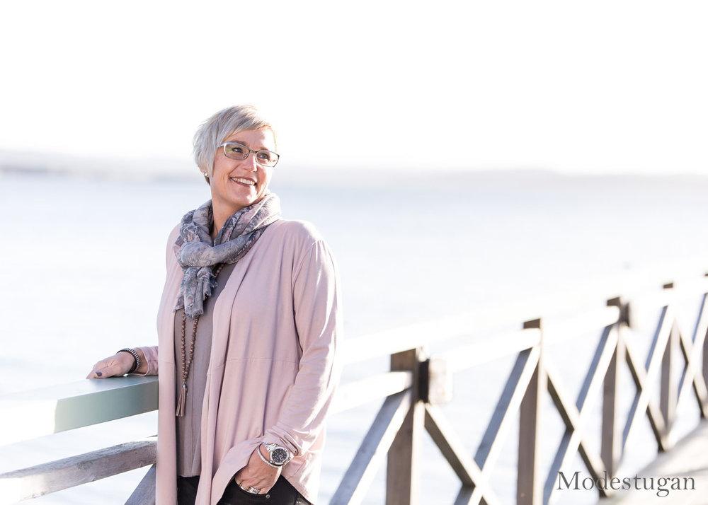 Annette rosa tröja modestugan.se foto av frokenfoto (3).jpg