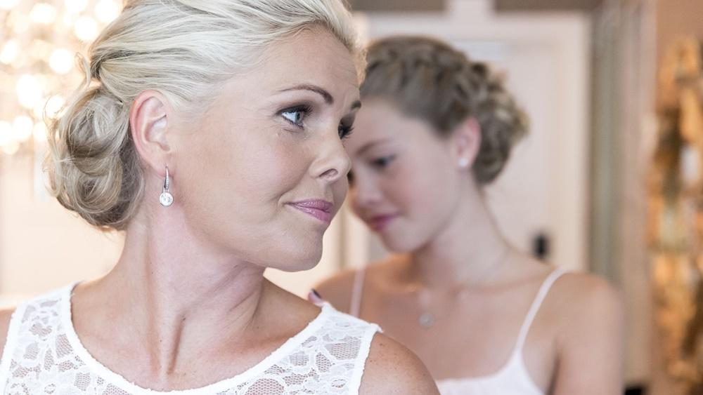 1 Tjejstund innan vigseln med bröllopsfotograf Fröken Foto  (13).jpg