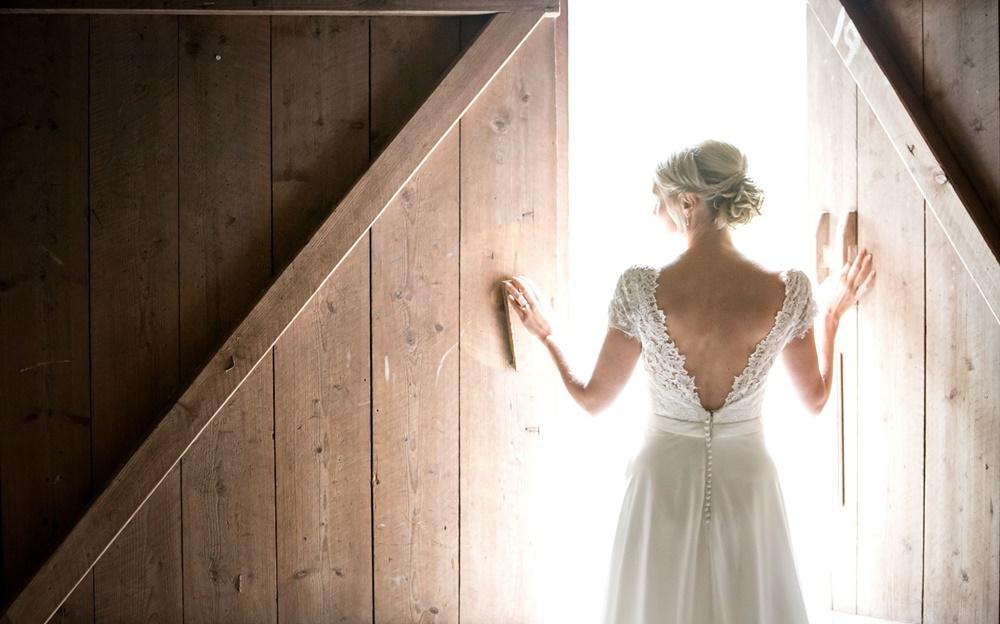 brud med Fröken Foto frokenfoto.se bröllopsfotograf Horred Varberg Kungsbacka Göteborg (23).jpg