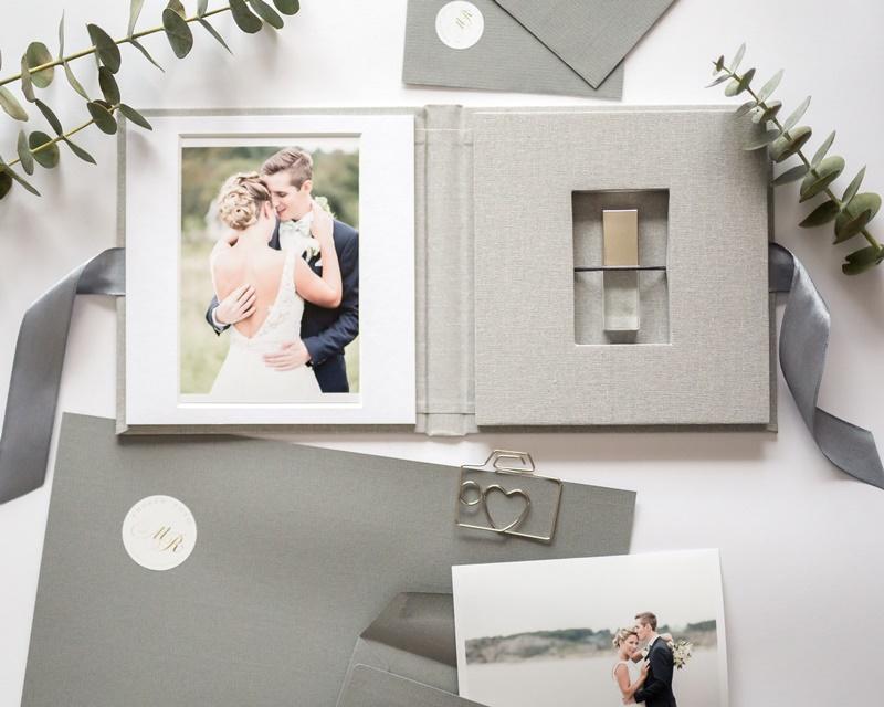 Bröllopsfotograf Fröken Foto Malin Richardsson frokenfoto.se emballge usb fodral bröllop.JPG