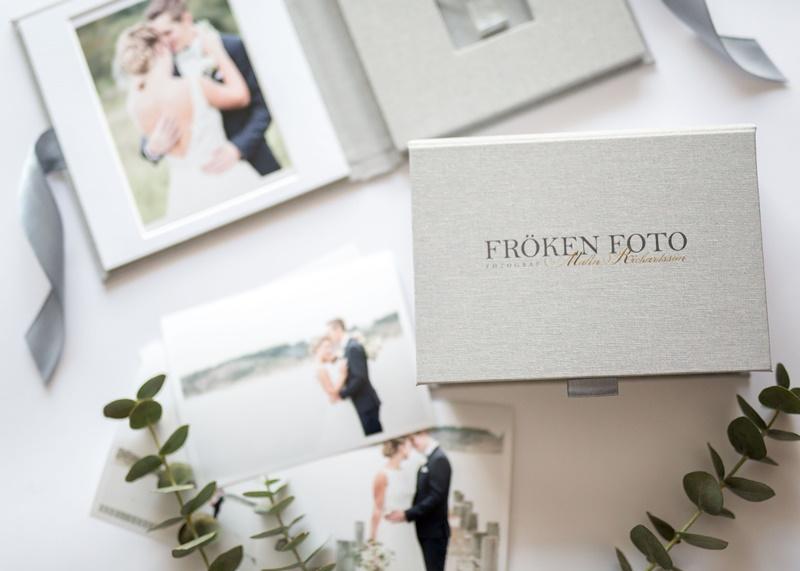 Bröllopsfotograf Fröken Foto Malin Richardsson frokenfoto.se emballge usb fodral bröllop 3.JPG