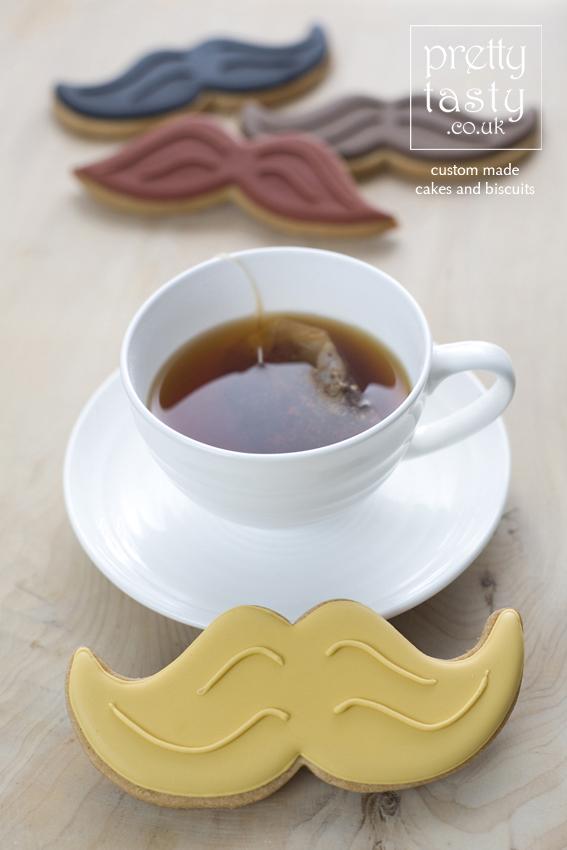 moustache-biscuit.jpg