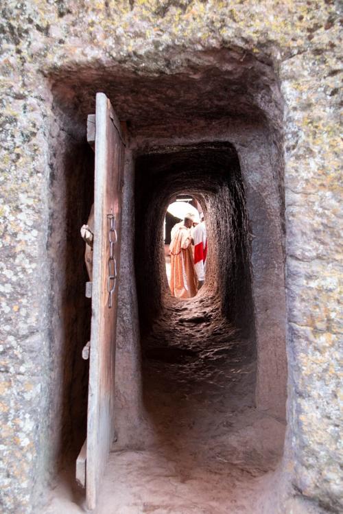 Auch mit ihren eigenen Fotografien zeigt Miryam Abebe den geübten Blick fürs Bild. Hier 2015 in den Felsenkirchen von Lalibela (Äthiopien)