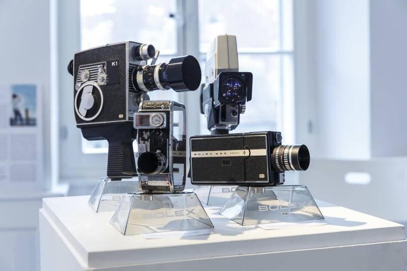 """Die Ausstellung im Künstlerhaus S11 zeigt die """"Bolex-Kamera"""" im Wandel der Jahrzehnte. Bild: Hanspeter Bärtschi"""