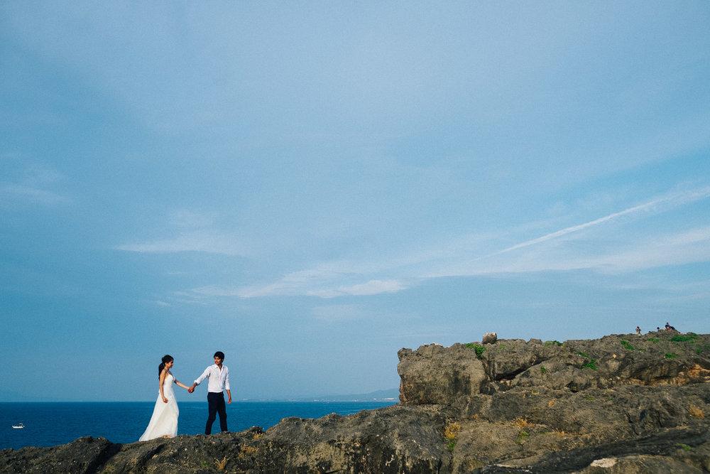 沖縄残波岬でのウェディングフォト撮影