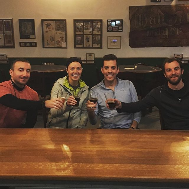 When three or more are gathered, it counts as a Bar League event // Tonight is one of my last nights in #CLE before I move. It was filled with a few of my favorite things - a group run through the Flats (in the cold and dark) followed by beer at @brickandbarrel and  @forestcitybrewery with friends old and new // I'm going to miss random Wednesday night outings in this town! // #thebarleaguecle #thisiscle #cledrinks #runiversity #brickandbarrel #forestcitybrewery #clegram