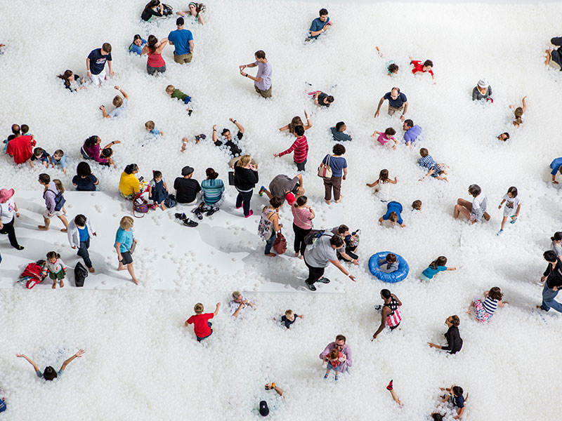 snarkitecture-the-beach-01-noah-kalina.jpg