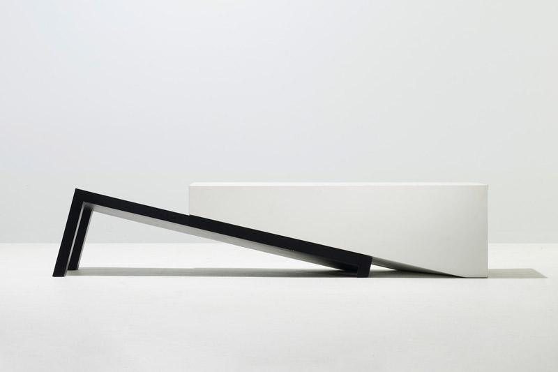 snarkitecture-slip-bench-01.jpg