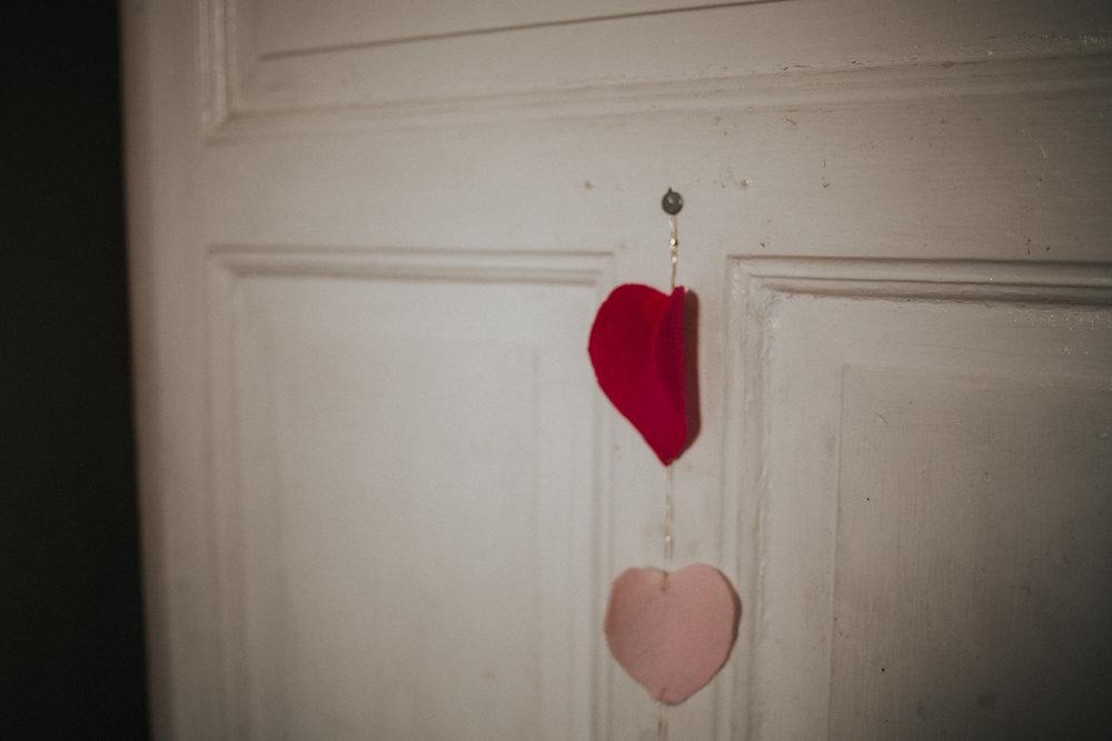 Eingangstür mit Herzkette