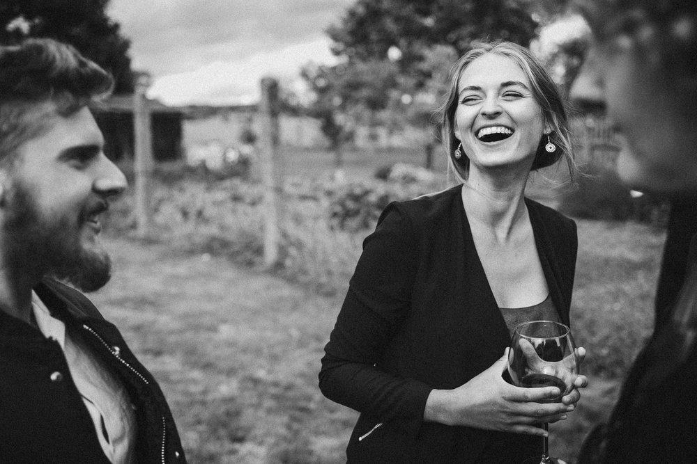 Portrait von lachender Frau