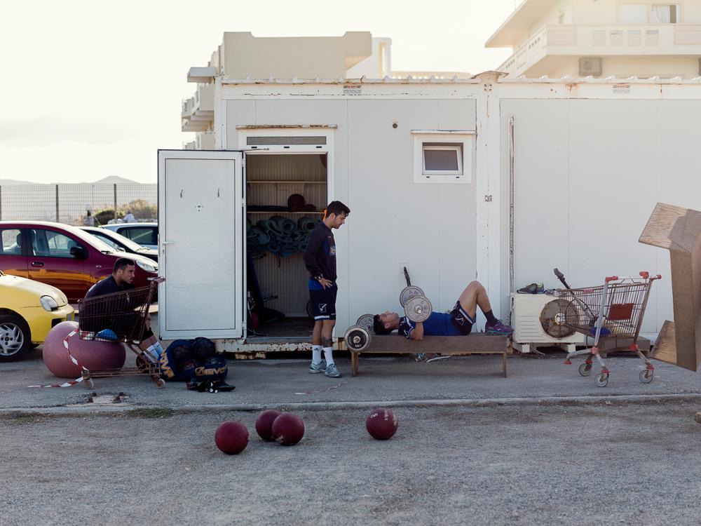 Vor dem Mannschaftstraining geht es an die Gewichte. Kissamikos FC II Zweite griechische Liga II Kreta