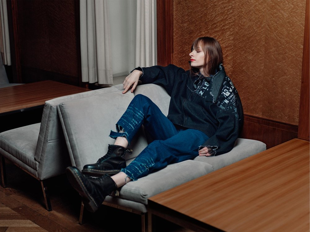 Modefotografie aus Bielefeld. Fashion: Yunsuk Mo, Model: Sandra Eden