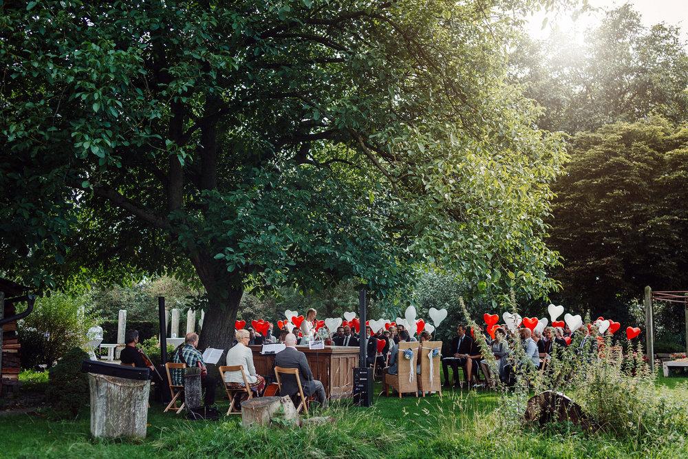 Hochzeitsfotografie aus BielefeldFreie Trauung an der Wassermühle