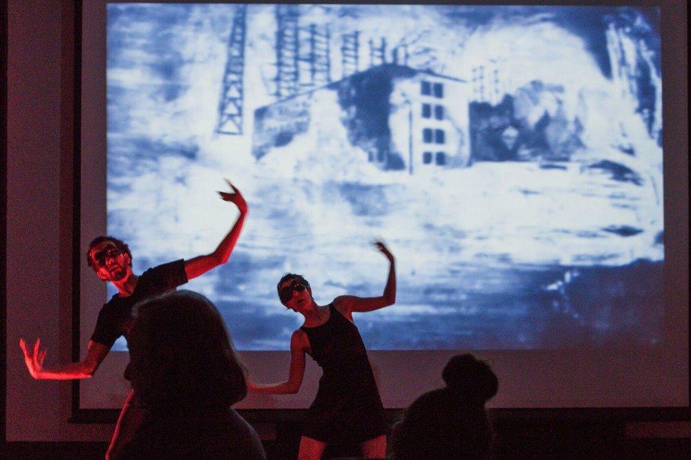 Samir Drhourhi et sa partenaire sur une vidéo d'Amélie Bernard