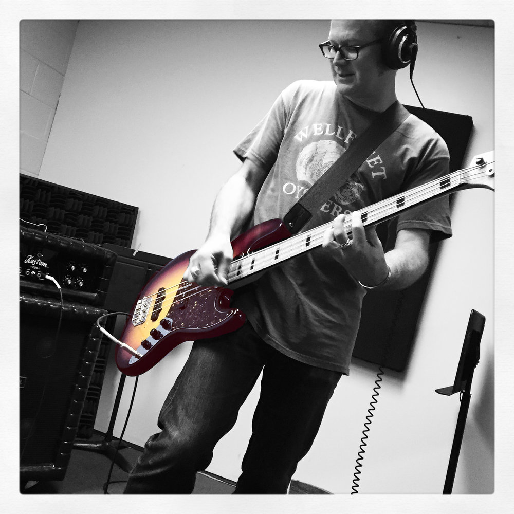 cp jazz bass.jpg