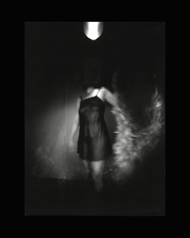 Obscures ( VI )  Épreuve à la gélatine argentique  36 x 28 cm
