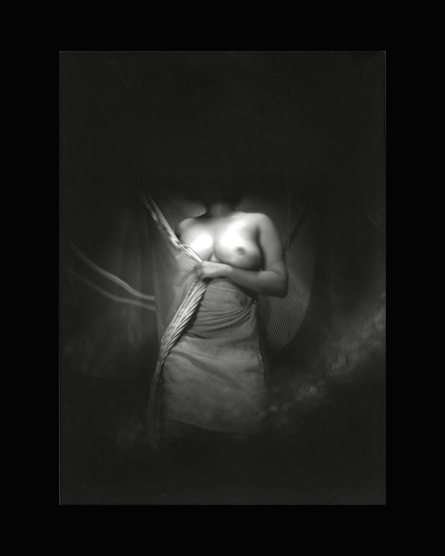 Obscures ( IX )  Épreuve à la gélatine argentique  36x 28 cm