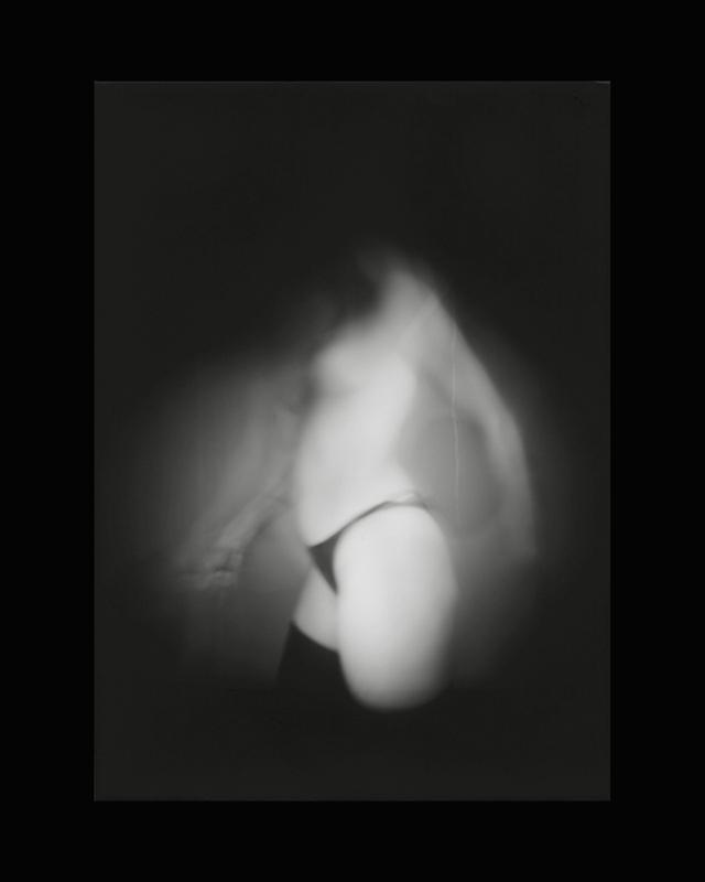 Obscures ( XIII )  Épreuve à la gélatine argentique  36x 28 cm