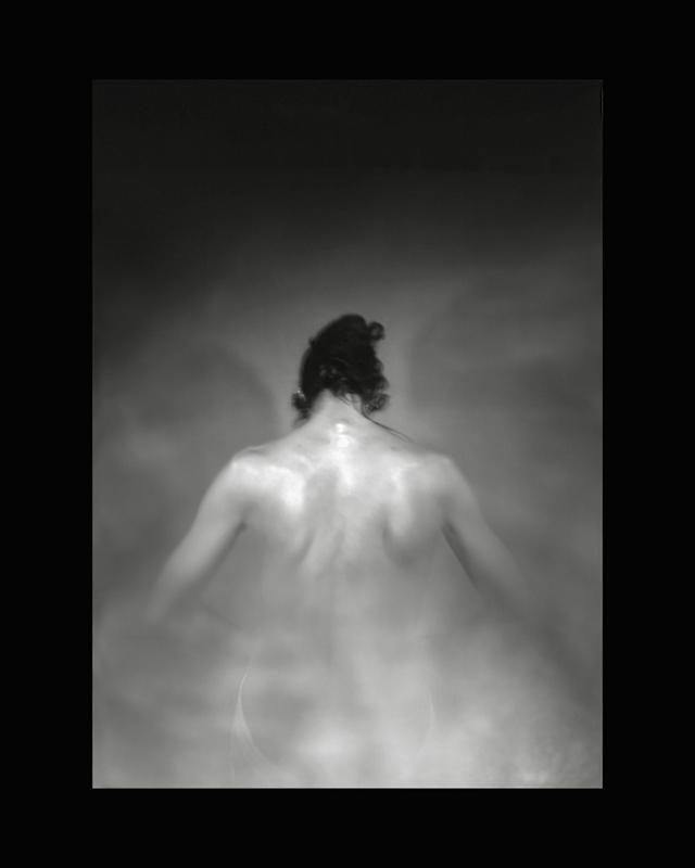 Obscures ( XVII )  Épreuve à la gélatine argentique  36x 28 cm