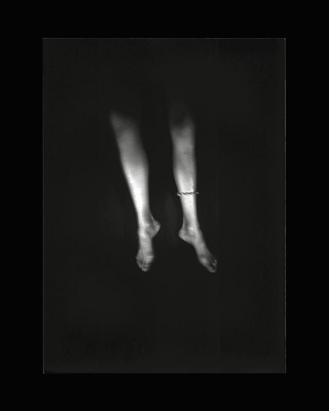 Obscures ( XXI )  Épreuve à la gélatine argentique  36x 28 cm
