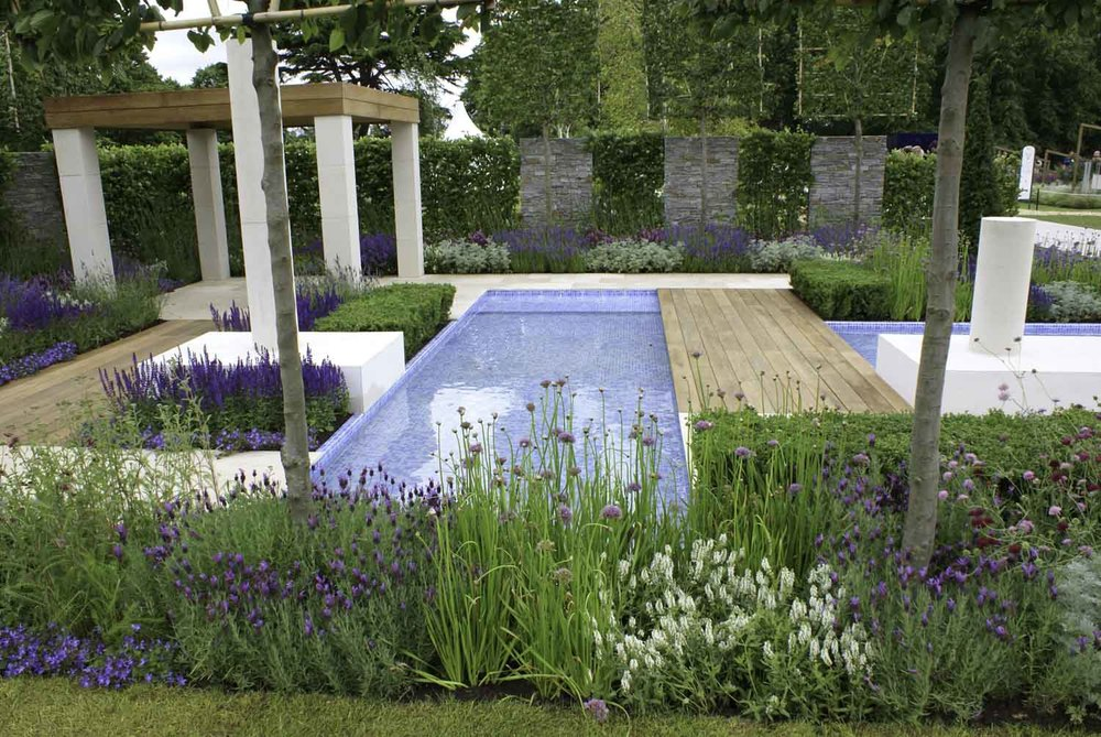 Italian Garden Design derek fell has not only visited some of the finest italian gardens such as la mortola on the italian coast and boboli overlooking florence he has toured Jack Dunckley Landscape Design Garden Design Rhs Hampton Court Palace Flower Show 2012 The Italian