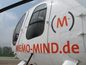 Beschriftung auf dem Helikopter MD 500
