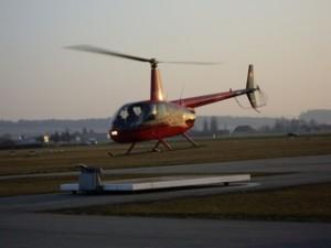 Robinson R44 Start von der Plattform in Grenchen
