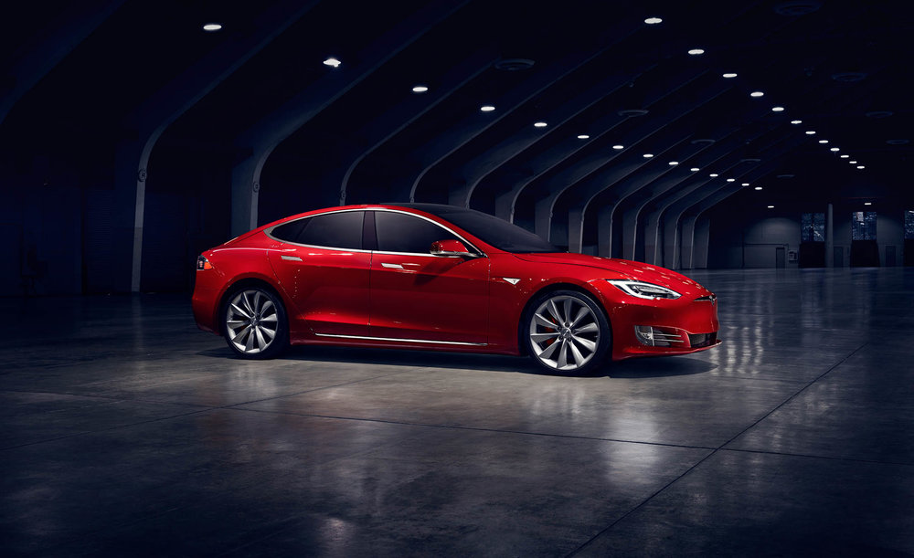 Model S w kolorze Multi-Coat Red