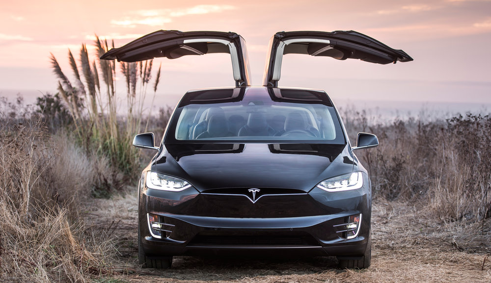 Model X w kolorze Obsidian Black Metalic
