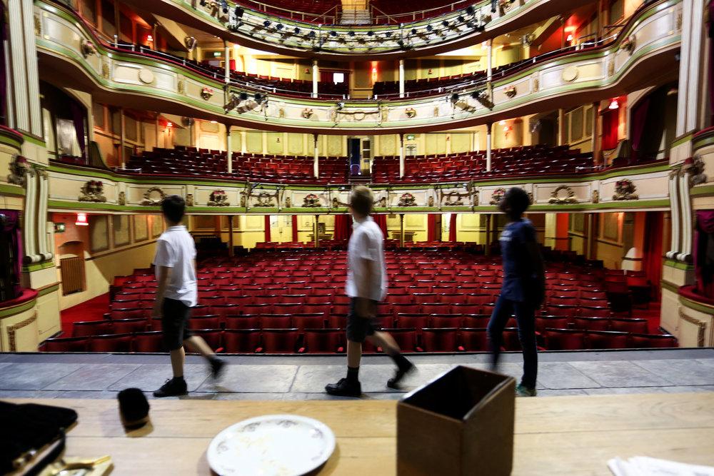 Edu_Theatre7.jpg
